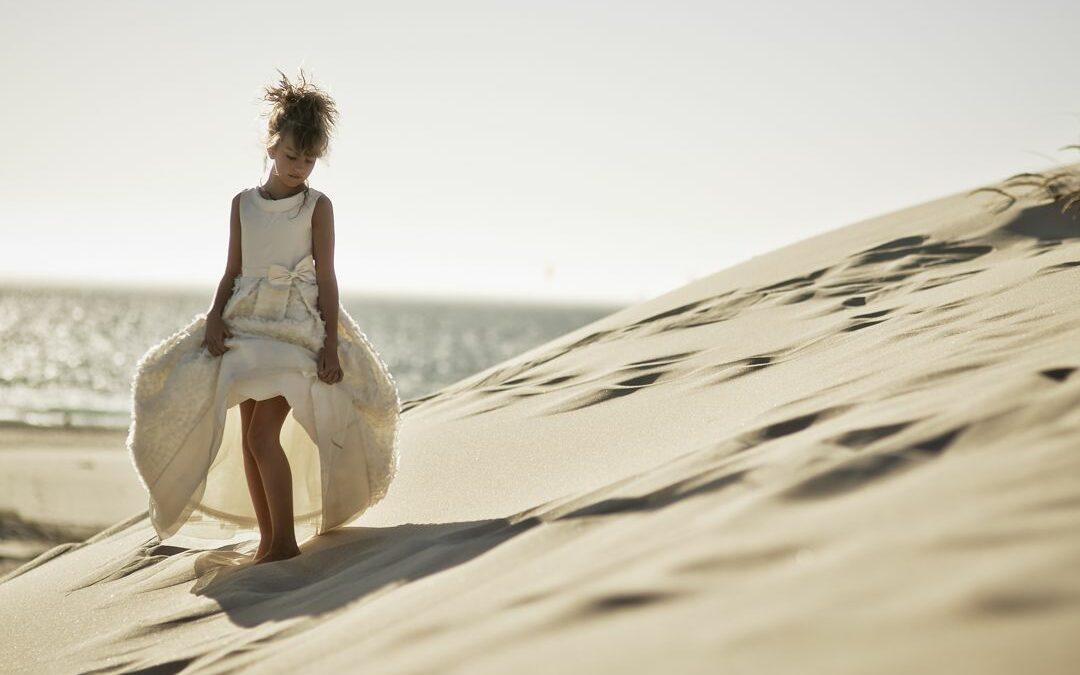 Mi ángel Laura … fotos originales de comunión en la playa, Portugal.