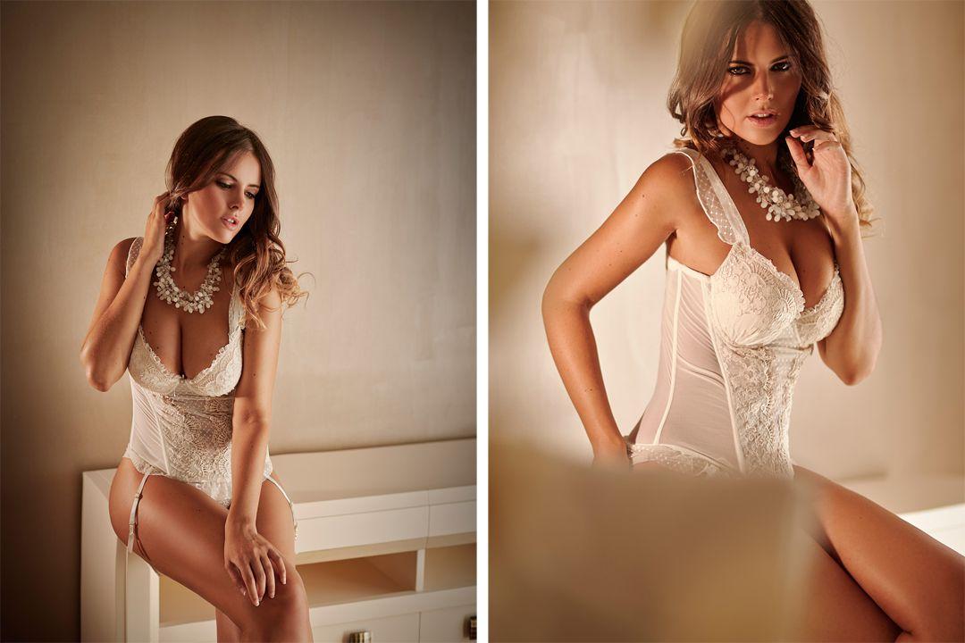 book boudoir sensual en lencería Amparo Muñoz 32.jpg