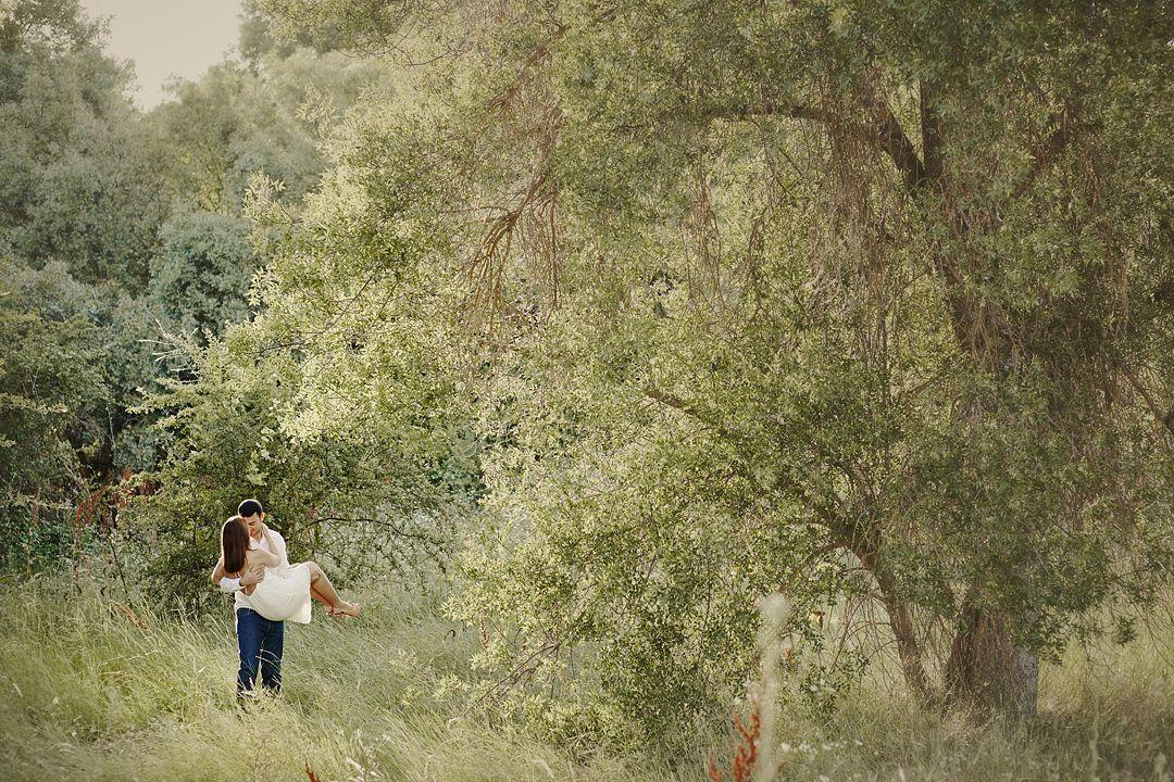 love-session-prebodas-diferentes-en-madrid-fotos-de-boda-romanticas-134.jpg