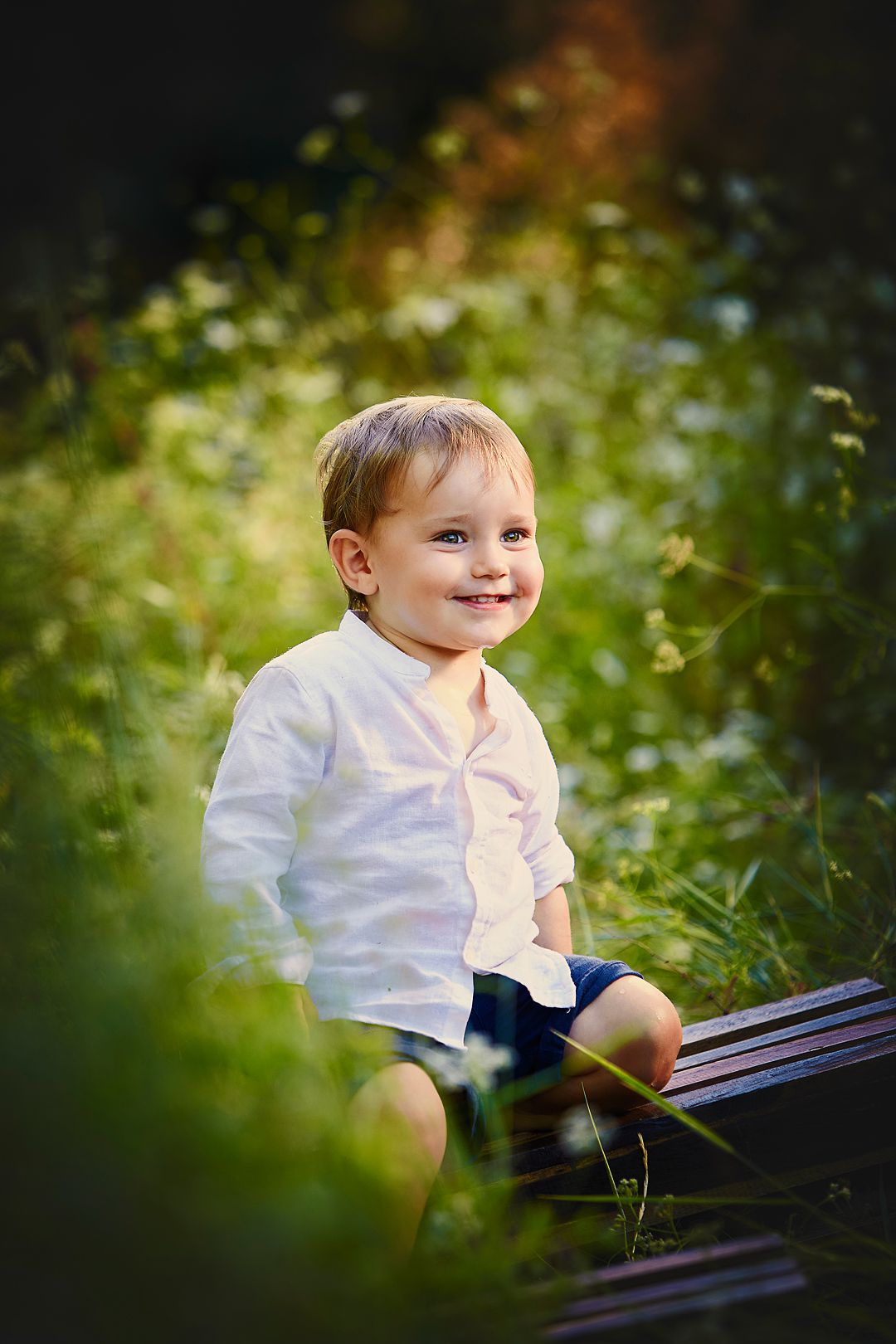 Book-fotos-en-exterior-sonrisa-dulce-niños.