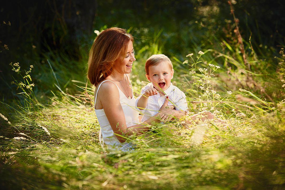 Fotografia-tierna-bebes-en-exterior.