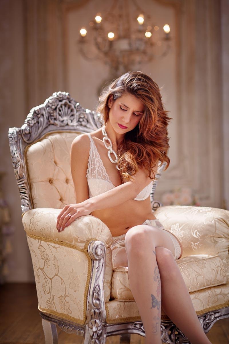 lenceria book fotos boudoir femenino y elegante en Madrid