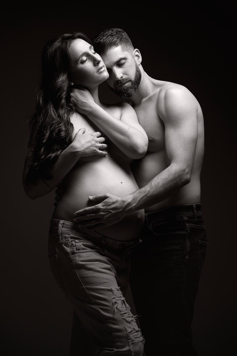 fotos de embarazada en pareja diferentes en estudio madrid
