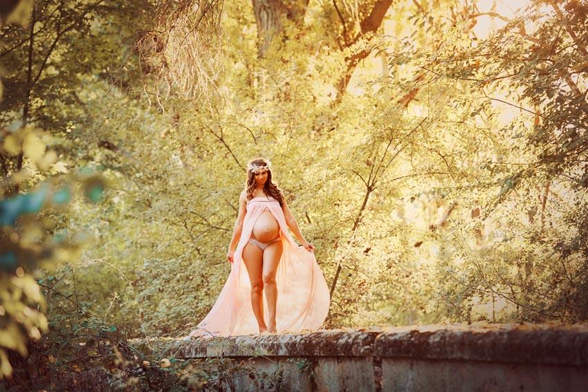 ¿Estás pensando en unas bonitas fotos de Embarazada en Exteriores?