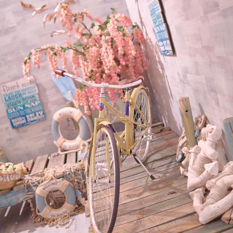 Bicicletas vintage de atrezzo en estudio de fotos