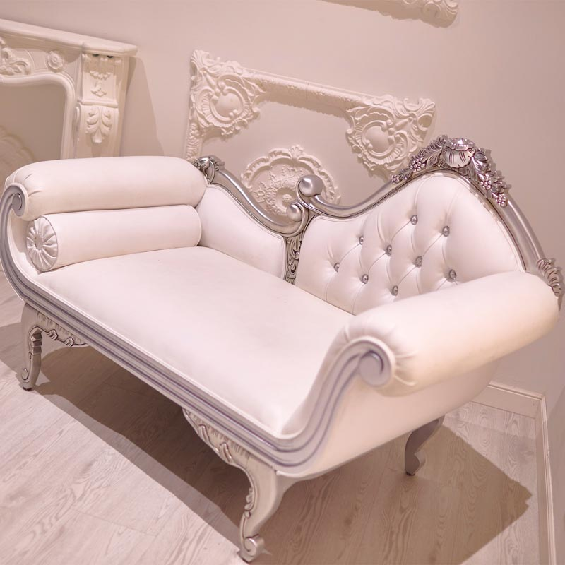 Sofá para sesiones Boudoir elegantes en Madrid